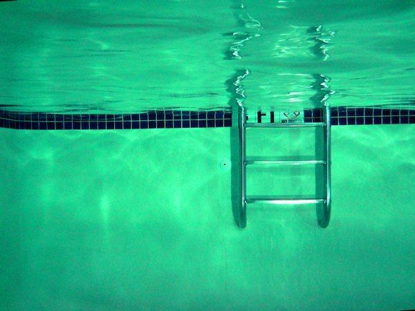 escalera de piscina\ srcset=